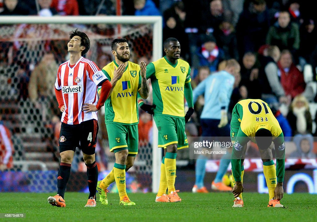 Ki Sung Yueng of Sunderland reacts after missing an opportunity during the Barclays Premier League match between Sunderland and Norwich City at the Stadium of Light on December 21, 2013 in Sunderland, England.