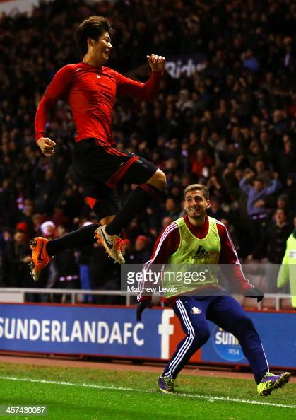 Ki SungYong of Sunderland celebrates scoring the winning goal in extra during the Capital One Cup QuarterFinal match between Sunderland and Chelsea...