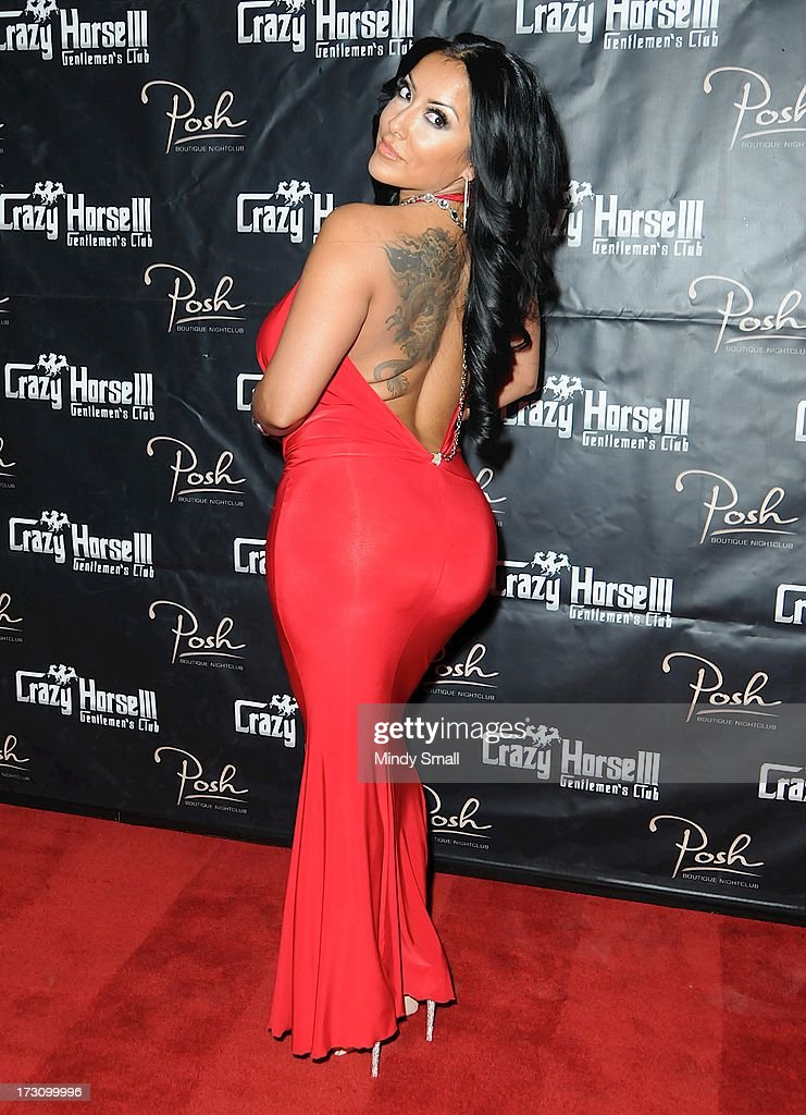 Kiara Mia arrives at the Crazy Horse III Gentleman's Club on July 6, 2013 in Las Vegas, Nevada.