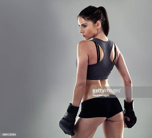 キックボクシングは彼女の形