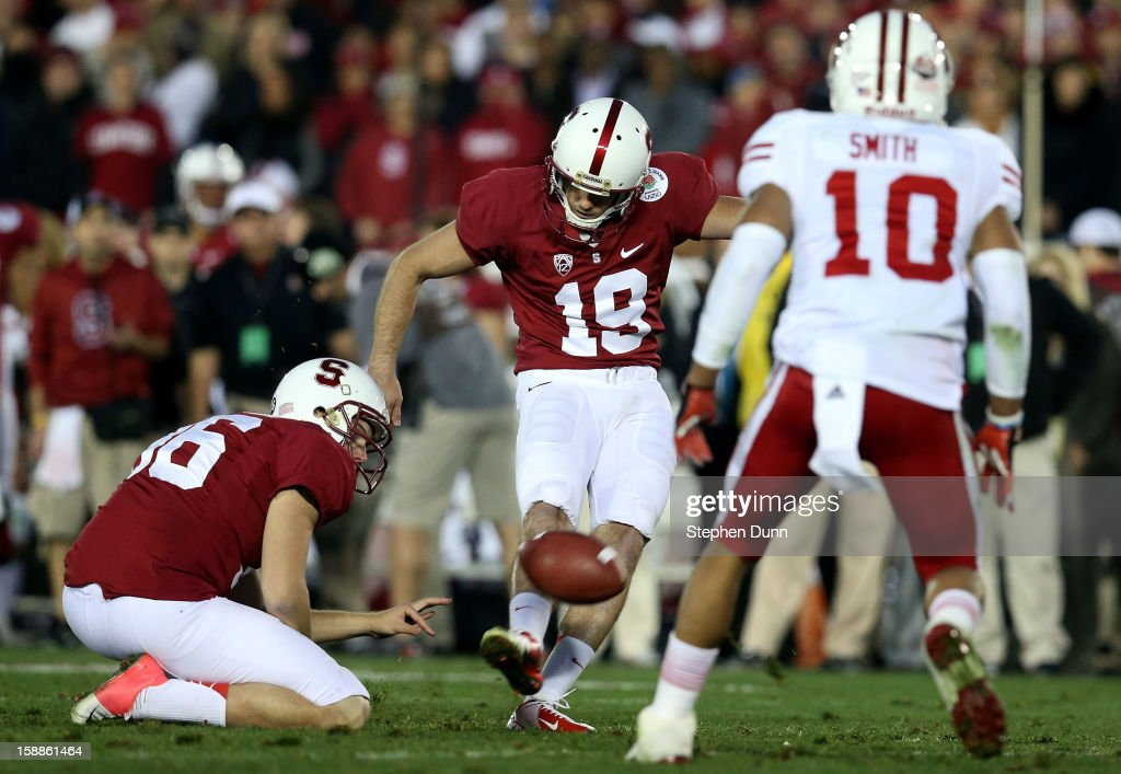 Kicker Jordan Williamson #19 of the Stanford Cardinal makes a 22-yard field goal in the fourth quarter against the Wisconsin Badgers in the 99th Rose Bowl Game Presented by Vizio on January 1, 2013 at the Rose Bowl in Pasadena, California.