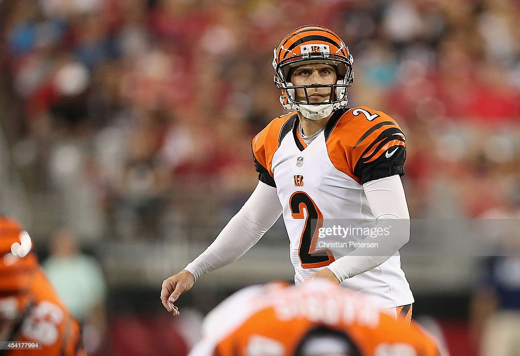Kicker <a gi-track='captionPersonalityLinkClicked' href=/galleries/search?phrase=Mike+Nugent&family=editorial&specificpeople=2129451 ng-click='$event.stopPropagation()'>Mike Nugent</a> #2 of the Cincinnati Bengals prepares to kick a field goal against the Arizona Cardinals during the preseason NFL game at the University of Phoenix Stadium on August 24, 2014 in Glendale, Arizona. The Bengals defeated the Cardinals 19-13.