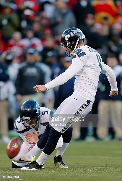 Kicker Steven Hauschka of the Seattle Seahawks makes a 31yard field goal to make the score 1716 against the San Francisco 49ers in the fourth quarter...
