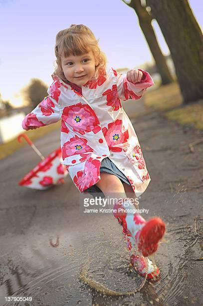 Kicking puddle