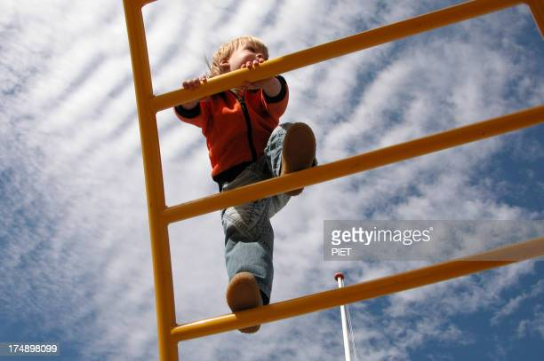 Bambini arrampicata