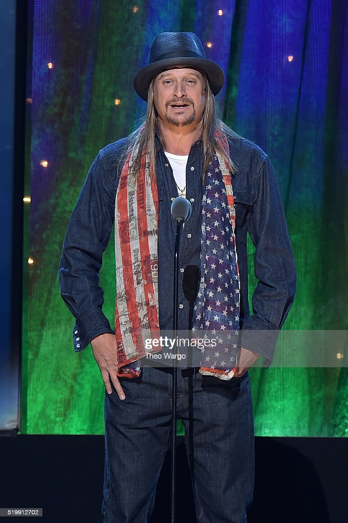 <a gi-track='captionPersonalityLinkClicked' href=/galleries/search?phrase=Kid+Rock&family=editorial&specificpeople=171123 ng-click='$event.stopPropagation()'>Kid Rock</a> inducts Cheap Trick at the 31st Annual Rock And Roll Hall Of Fame Induction Ceremony at Barclays Center on April 8, 2016 in New York City.