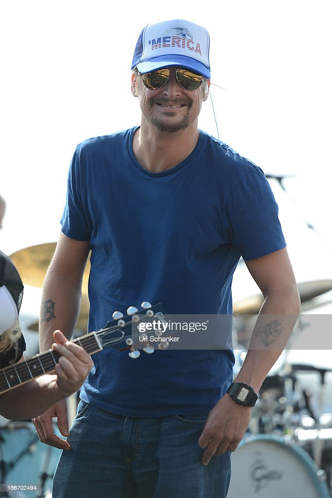 <a gi-track='captionPersonalityLinkClicked' href=/galleries/search?phrase=Kid+Rock&family=editorial&specificpeople=171123 ng-click='$event.stopPropagation()'>Kid Rock</a> performs at the NASCAR Sprint Cup Series Ford Ecoboost 400 at Homestead-Miami Speedway on November 18, 2012 in Homestead, Florida.