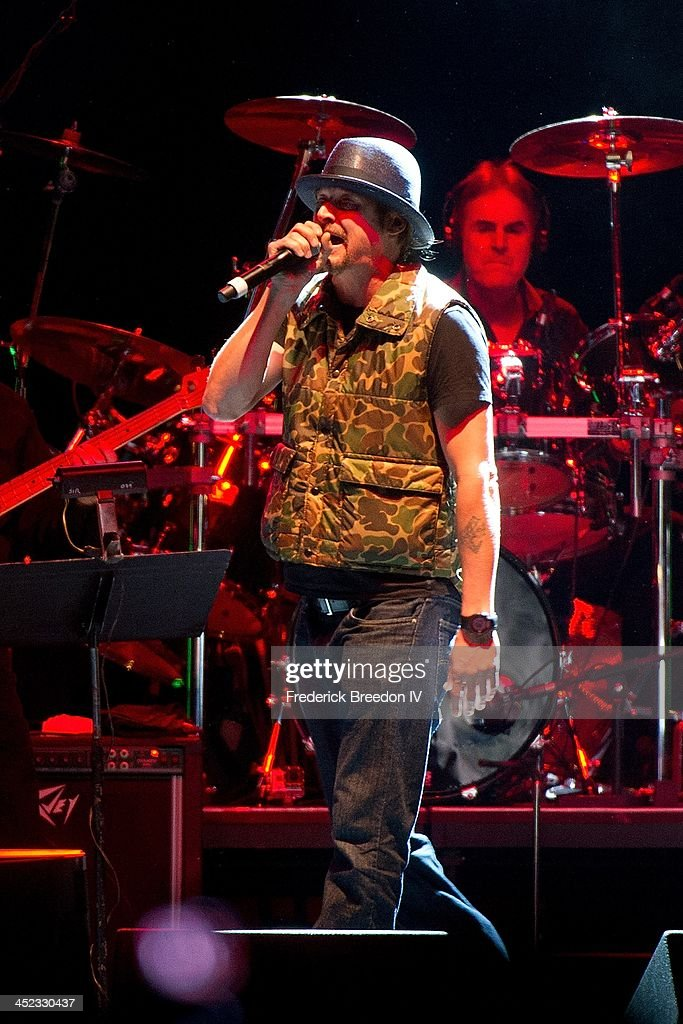 <a gi-track='captionPersonalityLinkClicked' href=/galleries/search?phrase=Kid+Rock&family=editorial&specificpeople=171123 ng-click='$event.stopPropagation()'>Kid Rock</a> performs during Playin' Possum! The Final No Show Tribute To George Jones at Bridgestone Arena on November 22, 2013 in Nashville, Tennessee.