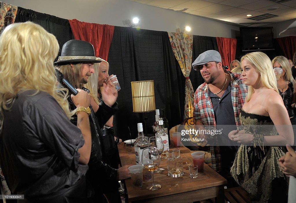 Kid Rock Uncle Kracker and Kellie Pickler attend the 2010 CMT Music Awards at the Bridgestone Arena on June 9 2010 in Nashville Tennessee