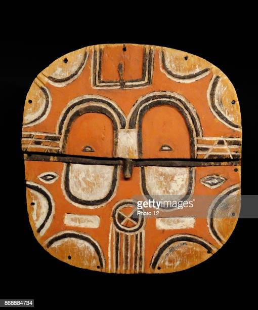 Kidoumou mask Created in the middle of the 19th Century the Kidoumou mask evokes a face but the geometrical patterns that cover it are of more...