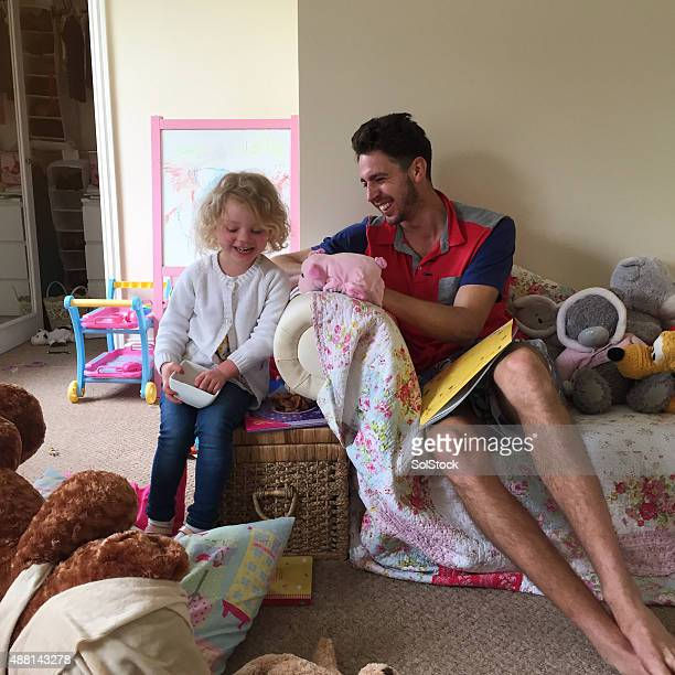 Bambini giocano tempo a casa