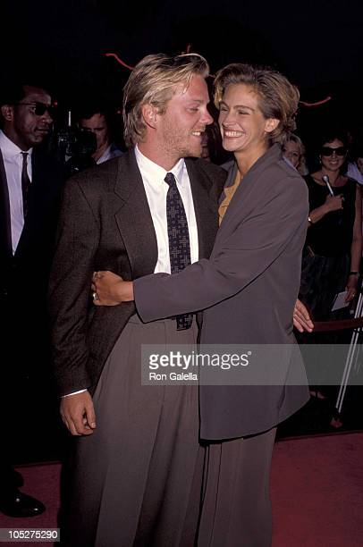Kiefer Sutherland and Julia Roberts during 'Young Guns II' Hollywood Premiere at Mann's Chinese Theater in Hollywood California United States