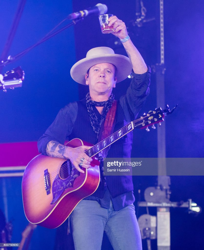 Kiefer Sutherland performs on day 4 of the Glastonbury Festival 2017 at Worthy Farm, Pilton on June 25, 2017 in Glastonbury, England.
