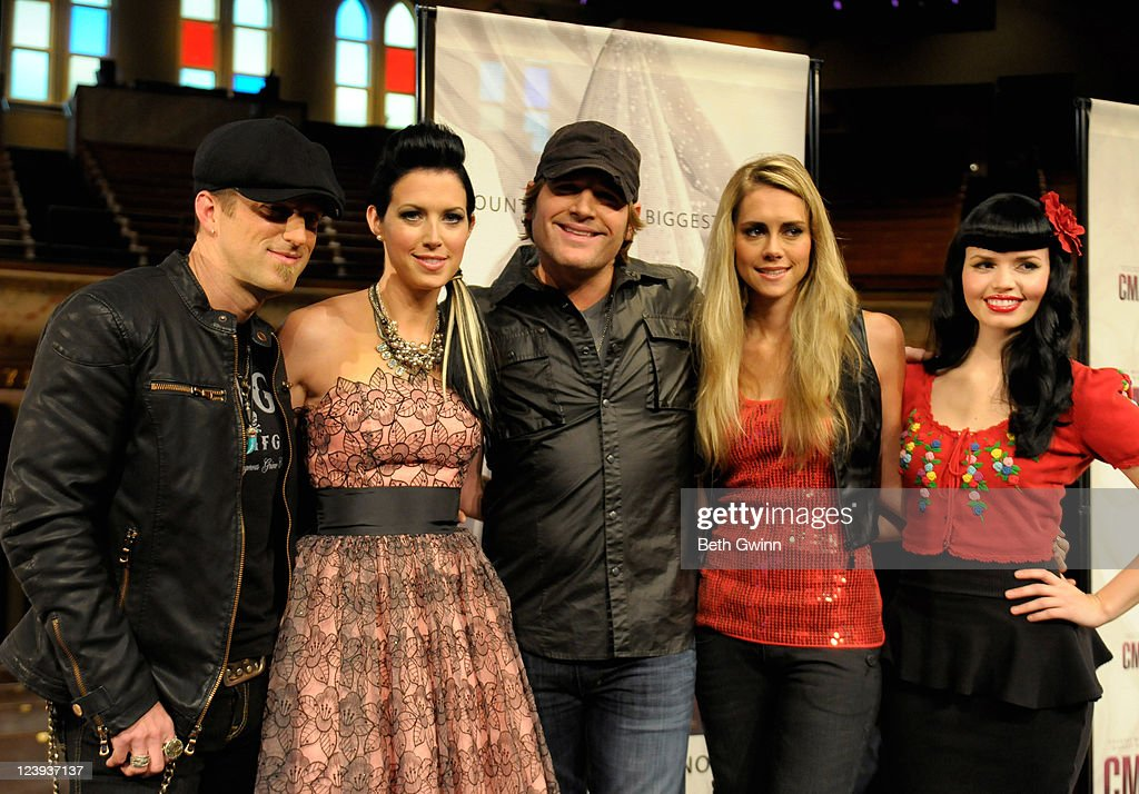 Kiefer Thompson, Shawna Thompson, Jerrod Niemann, Danelle Leverett and Susie Brown attend the 2011 CMA Awards nominations at the Ryman Auditorium on September 6, 2011 in Nashville, Tennessee.