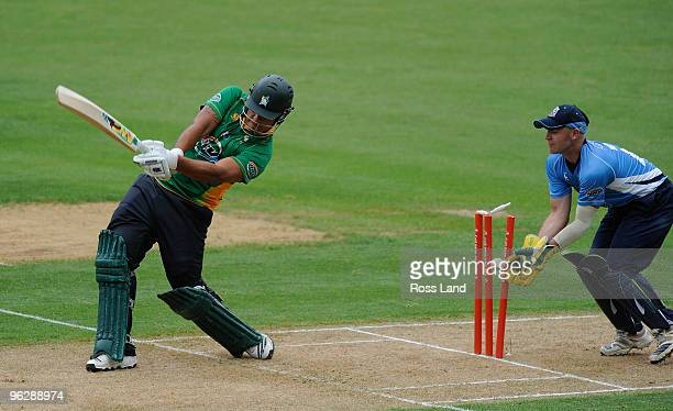 Kieian NoemaBarnett of the Central Staggs is clean bowled as Gareth Hopkins of the Auckland Aces looks on during the HRV Twenty20 cricket final at...