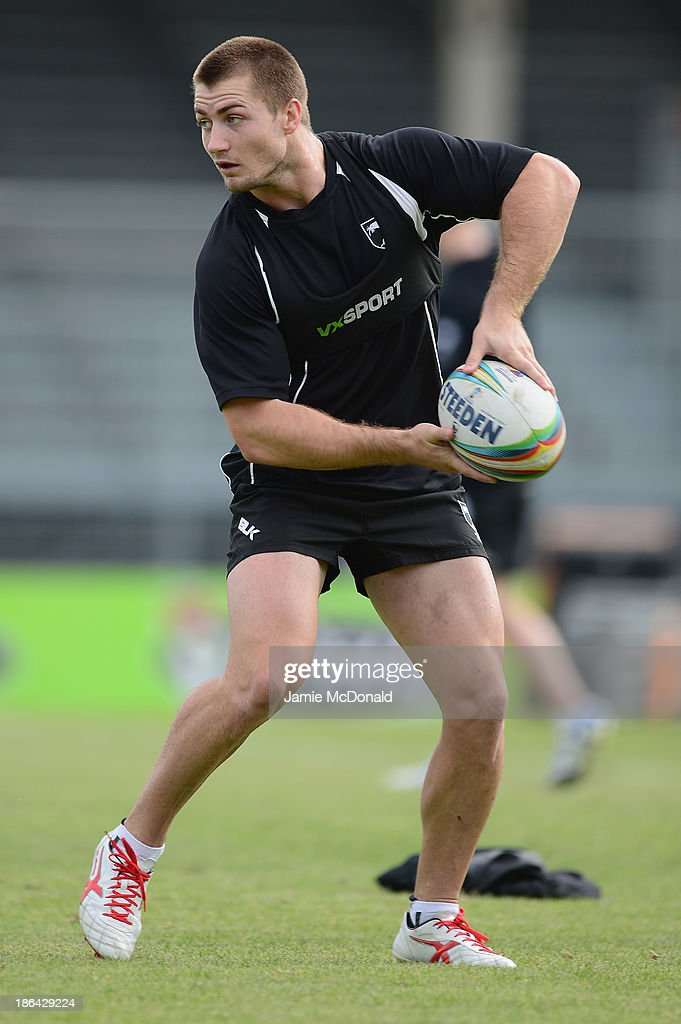 Kieran Foran of New Zealand warms up during a New Zealand Catains Run at the Parc des Sports Stadium on October 31, 2013 in Avignon, France.
