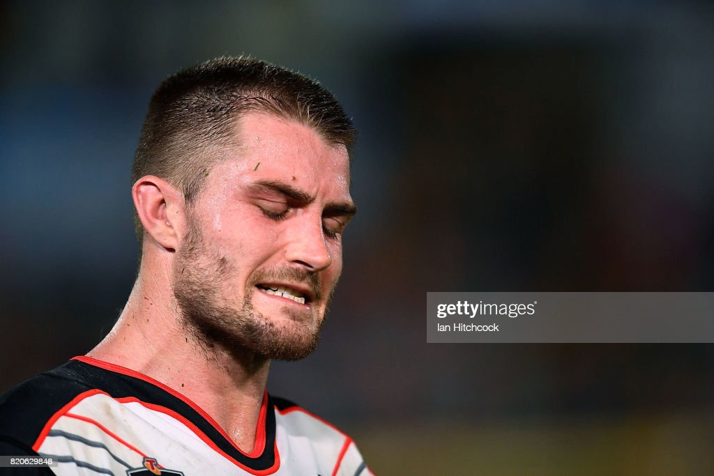Kieran Foran of the Warriors looks dejected after losing the round 20 NRL match between the North Queensland Cowboys and the New Zealand Warriors at 1300SMILES Stadium on July 22, 2017 in Townsville, Australia.