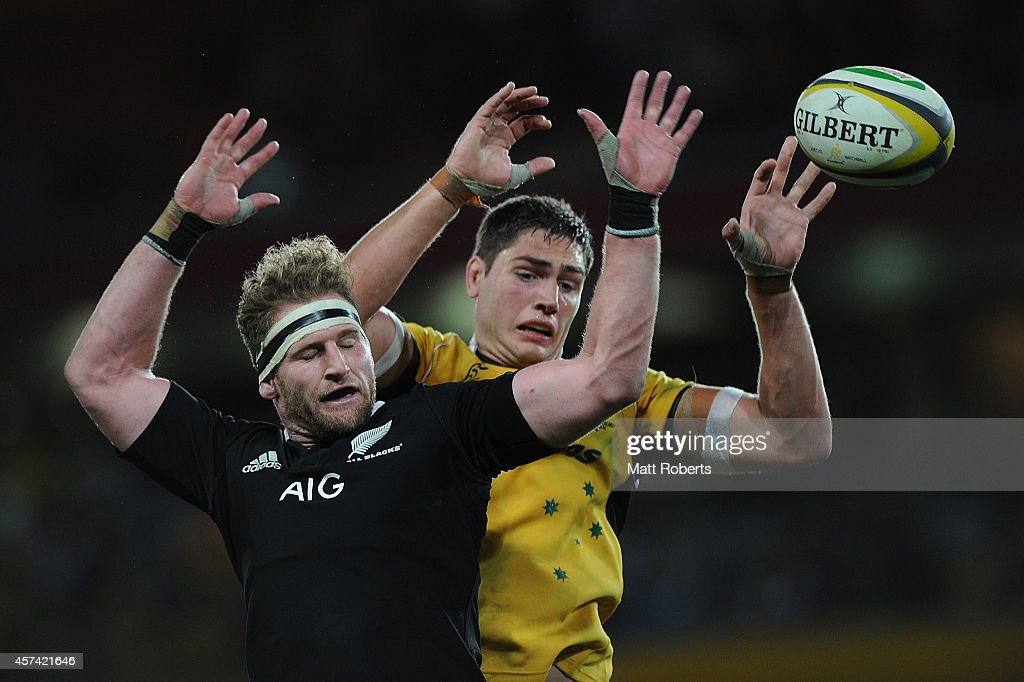 Kieran Read of the All Blacks and Rob Simmons of the Wallabies compete for the line out during The Rugby Championship match between the Australian...