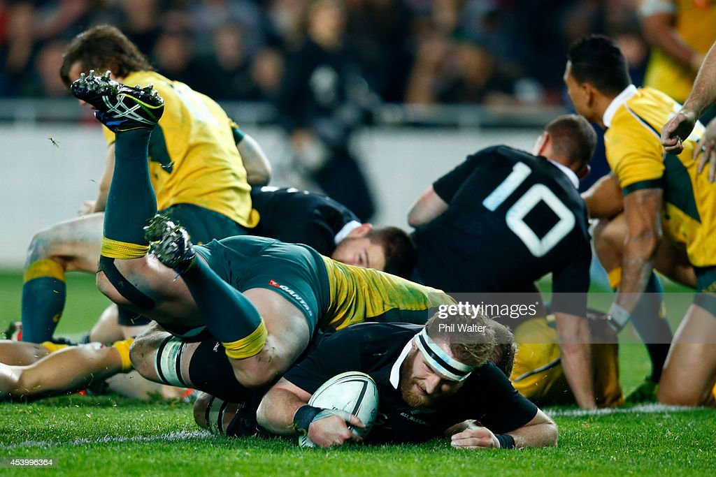 Kieran Read of the All Blacks scores a try during The Rugby Championship match between the New Zealand All Blacks and the Australian Wallabies at...
