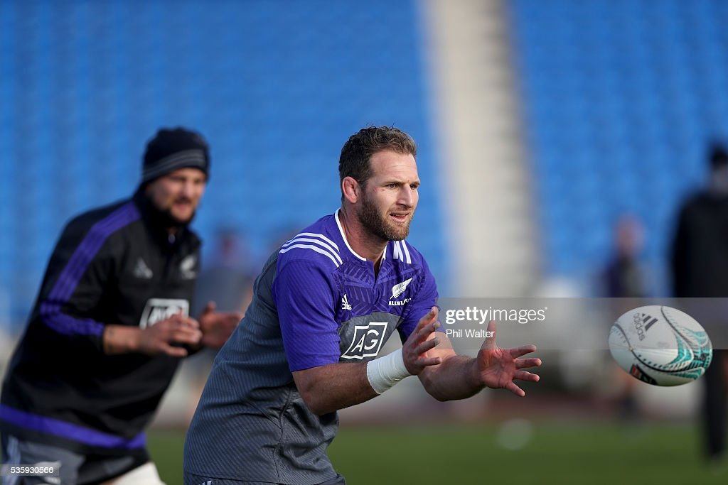 Kieran Read of the All Blacks takes a pass during a New Zealand All Blacks training session at Trusts Stadium on May 31, 2016 in Auckland, New Zealand.