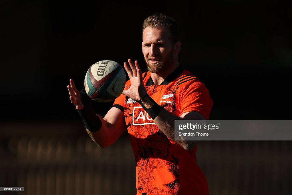 Kieran Read of the All Blacks takes a pass during a New Zealand All Blacks training session at North Sydney Oval on August 17, 2017 in Sydney, Australia.