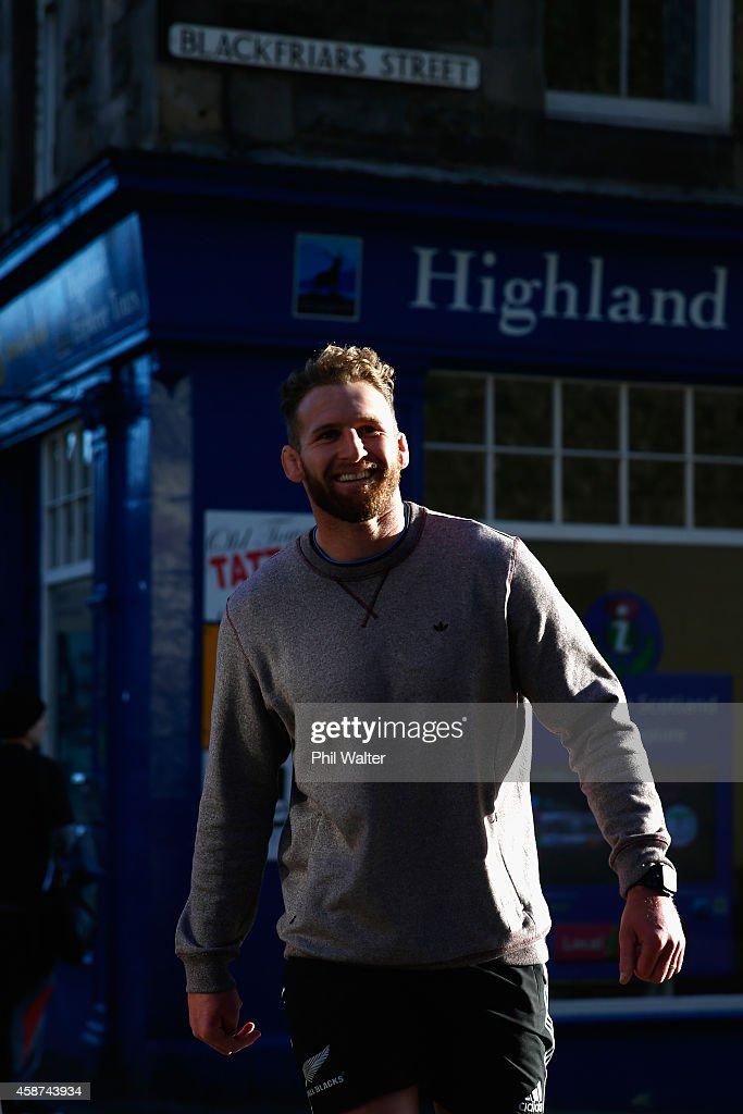 Kieran Read of the All Blacks walks back from a New Zealand All Blacks Gym Session at The University of Edinburgh on November 10 2014 in Edinburgh...