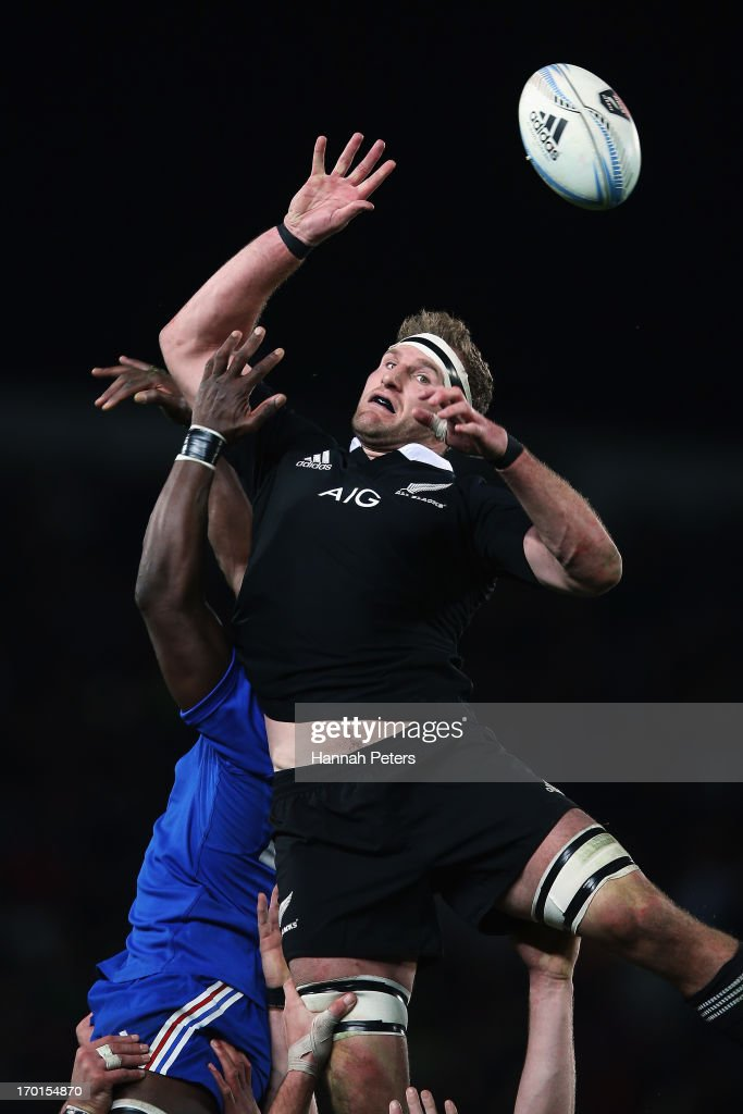 <a gi-track='captionPersonalityLinkClicked' href=/galleries/search?phrase=Kieran+Read&family=editorial&specificpeople=789465 ng-click='$event.stopPropagation()'>Kieran Read</a> of the All Blacks wins lineout ball during the first test match between the New Zealand All Blacks and France at Eden Park on June 8, 2013 in Auckland, New Zealand.