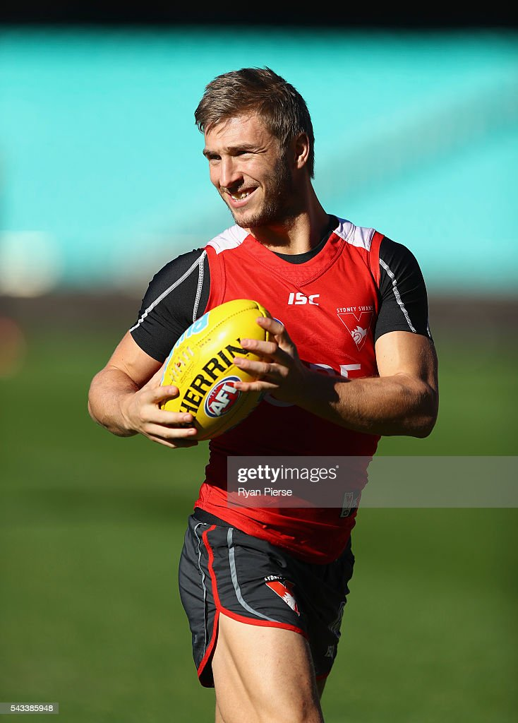 Kieren Jack of the Swans trains during a Sydney Swans AFL training session at Sydney Cricket Ground on June 28, 2016 in Sydney, Australia.