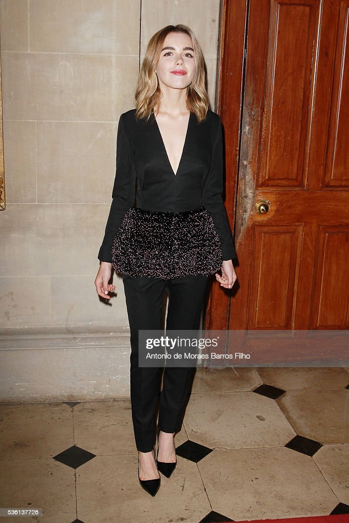 <a gi-track='captionPersonalityLinkClicked' href=/galleries/search?phrase=Kiernan+Shipka&family=editorial&specificpeople=5535048 ng-click='$event.stopPropagation()'>Kiernan Shipka</a> attends Christian Dior showcases its spring summer 2017 cruise collection at Blenheim Palace on May 31, 2016 in Woodstock, England.
