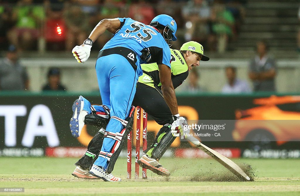 Big Bash League - Thunder v Strikers