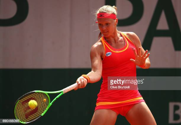 Kiki Bertens of The Netherlands plays a forehand during the ladies singles second round match against Catherine Bellis of The United States on day...