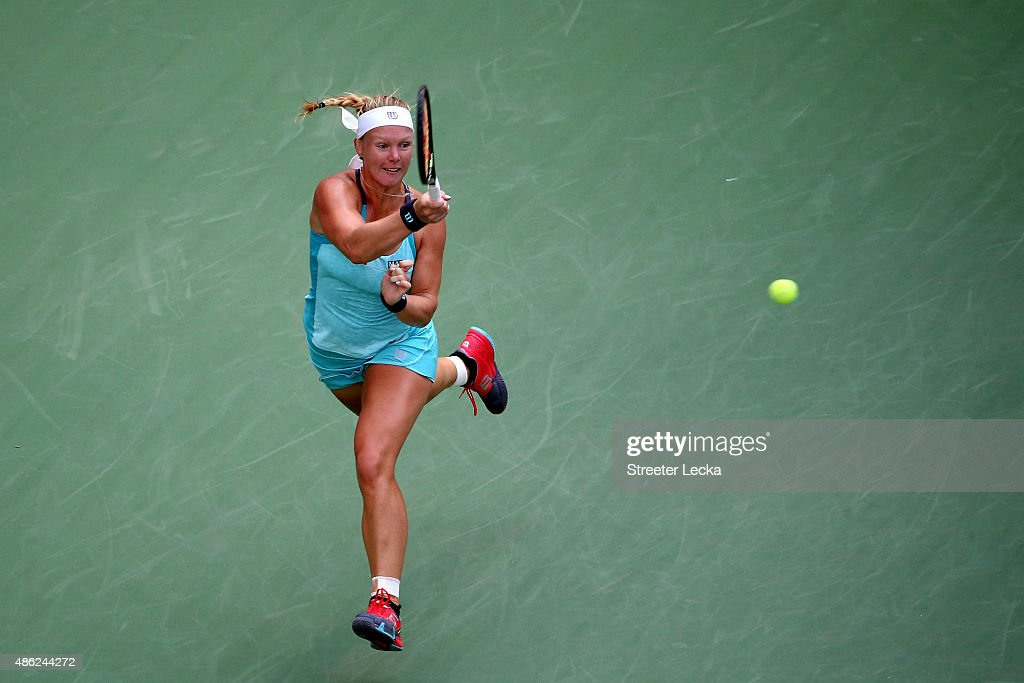 <a gi-track='captionPersonalityLinkClicked' href=/galleries/search?phrase=Kiki+Bertens&family=editorial&specificpeople=7945371 ng-click='$event.stopPropagation()'>Kiki Bertens</a> of the Netherlands returns a shot against Serena Williams of the United States during their Women's Singles Second Round match on Day Three of the 2015 US Open at the USTA Billie Jean King National Tennis Center on September 2, 2015 in the Flushing neighborhood of the Queens borough of New York City.