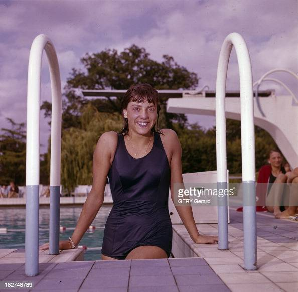 Kiki caron photos et images de collection getty images - Piscine christine caron ...