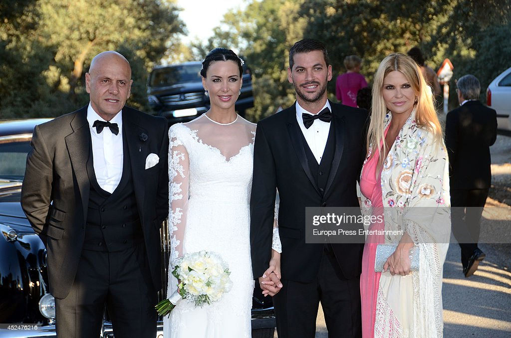 ¿Cuánto mide René Ramos? Kiko-matamoros-and-makoke-attend-the-wedding-of-real-madrid-football-picture-id452476216