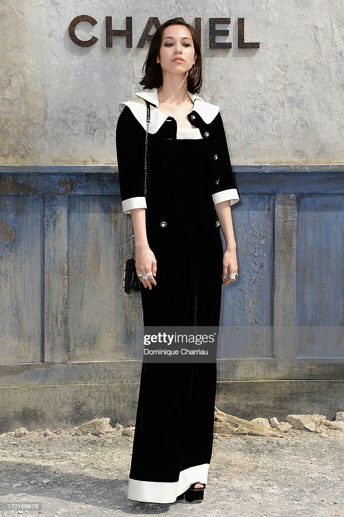 <a gi-track='captionPersonalityLinkClicked' href=/galleries/search?phrase=Kiko+Mizuhara&family=editorial&specificpeople=7165794 ng-click='$event.stopPropagation()'>Kiko Mizuhara</a> attends the Chanel show as part of Paris Fashion Week Haute Couture Fall/Winter 2013-2014 at Grand Palais on July 2, 2013 in Paris, France.