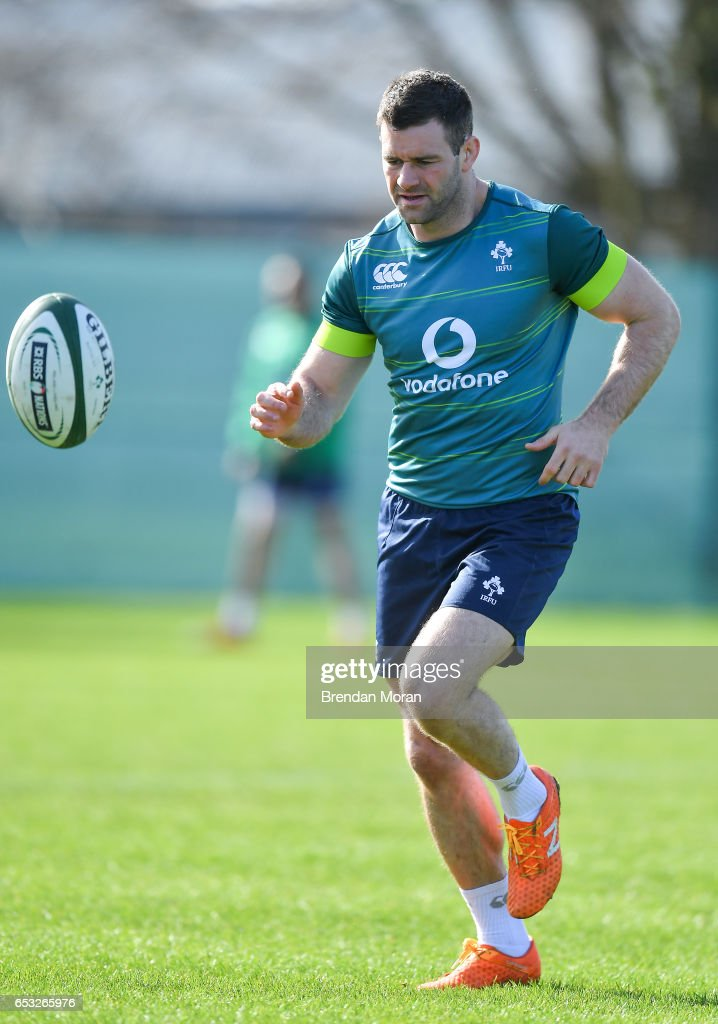 Kildare , Ireland - 14 March 2017; Fergus McFadden of Ireland during squad training at Carton House in Maynooth, Co Kildare.