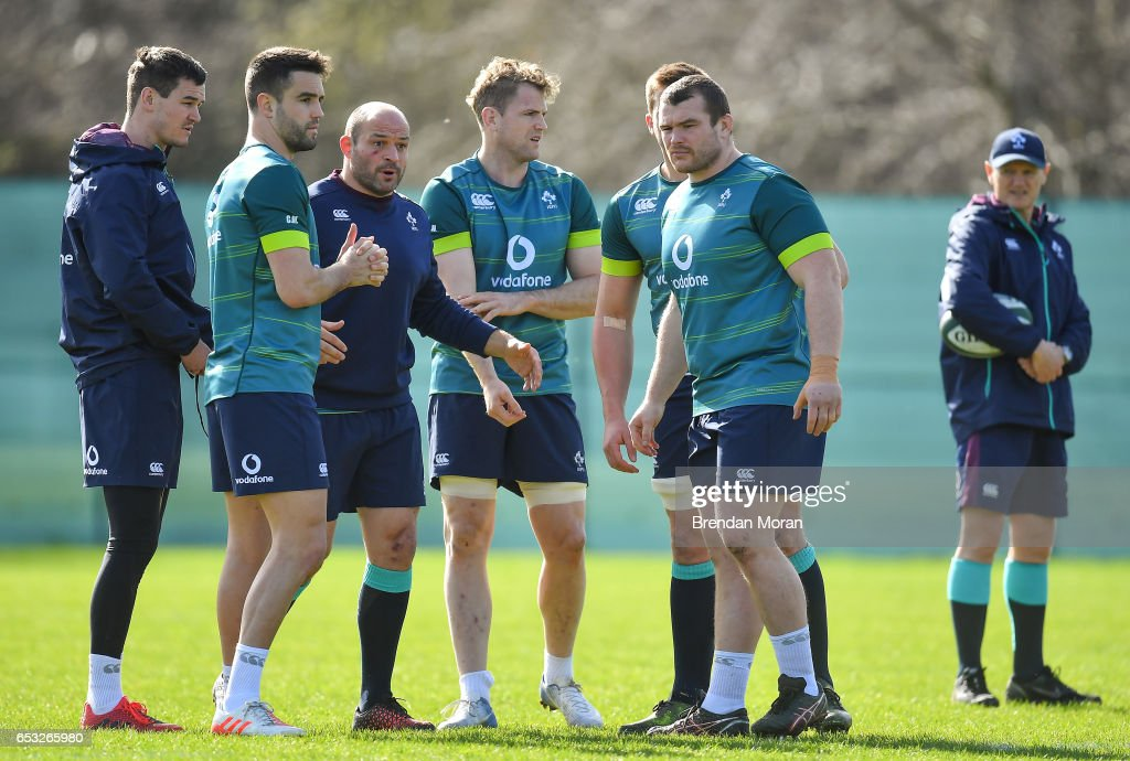 Kildare , Ireland - 14 March 2017; Ireland captain Rory Best speaks to his team-mates, from left, Jonathan Sexton, Conor Murray, Jamie Heaslip, CJ Stander and Jack McGrath during squad training at Carton House in Maynooth, Co Kildare.