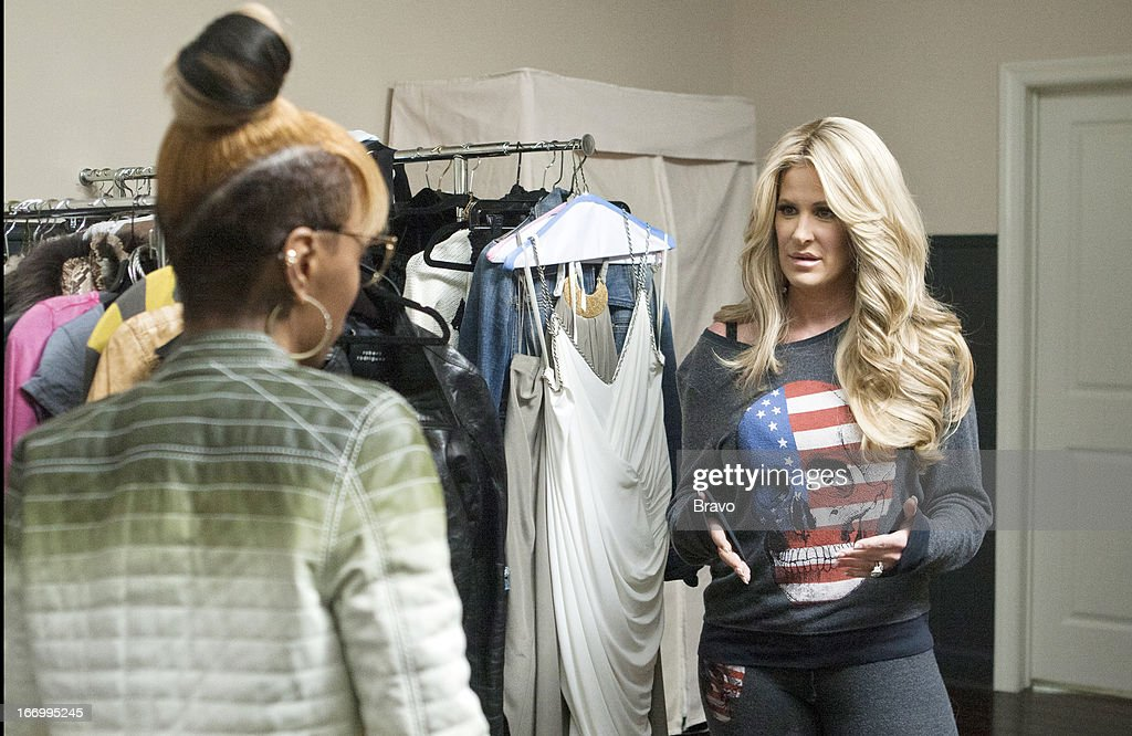 TARDY... -- 'Kim and Family at Home' -- Pictured: <a gi-track='captionPersonalityLinkClicked' href=/galleries/search?phrase=Kim+Zolciak&family=editorial&specificpeople=5446357 ng-click='$event.stopPropagation()'>Kim Zolciak</a> --