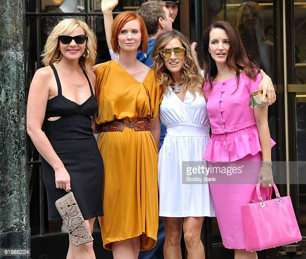Kim Cattrall Cynthia Nixon Sarah Jessica Parker and Kristin Davis on location for 'Sex And The City 2' on the streets of Manhattan on September 8...