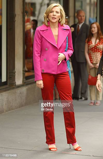 Kim Cattrall during Kim Cattrall and Sarah Jessica Parker On Location For 'Sex And The City' at 50th Street and Fifth Ave in New York City New York...