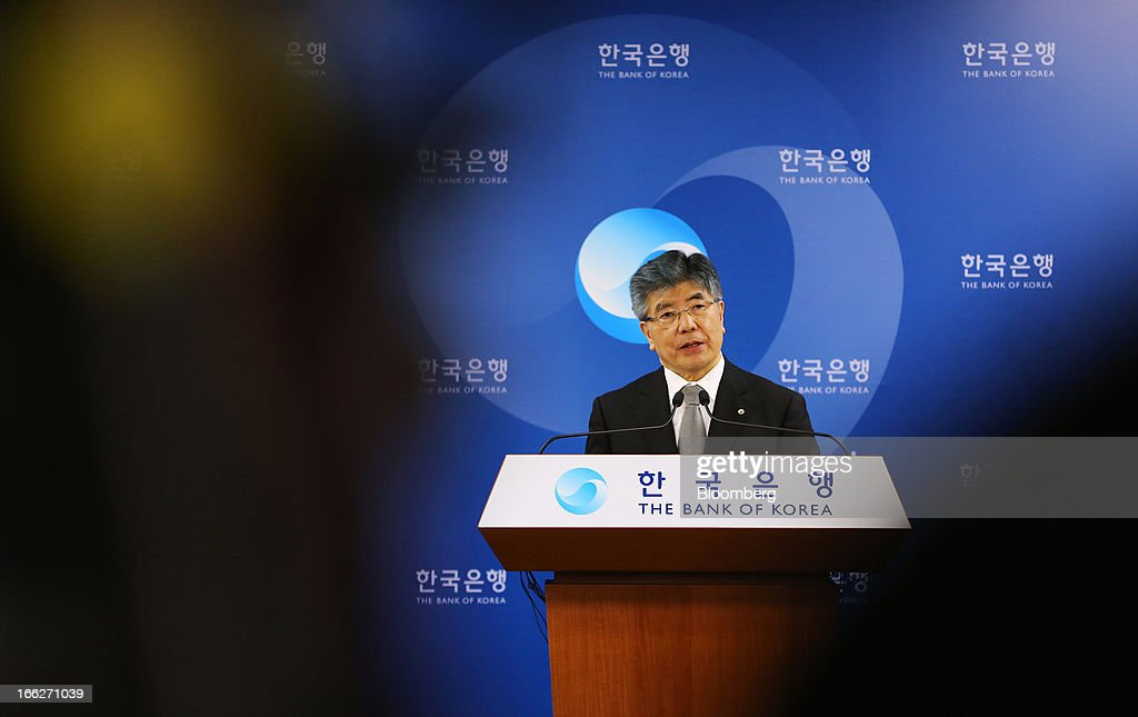 Kim Choong Soo, governor of the Bank of Korea, speaks during a news conference following a monetary policy meeting at the central bank's headquarters in Seoul, South Korea, on Thursday, April 11, 2013. The Bank of Korea held borrowing costs unchanged for a sixth month, resisting pressure from the government for a reduction even as a sliding yen hurts the nation's exporters and North Korea threatens war. Photographer: SeongJoon Cho/Bloomberg via Getty Images