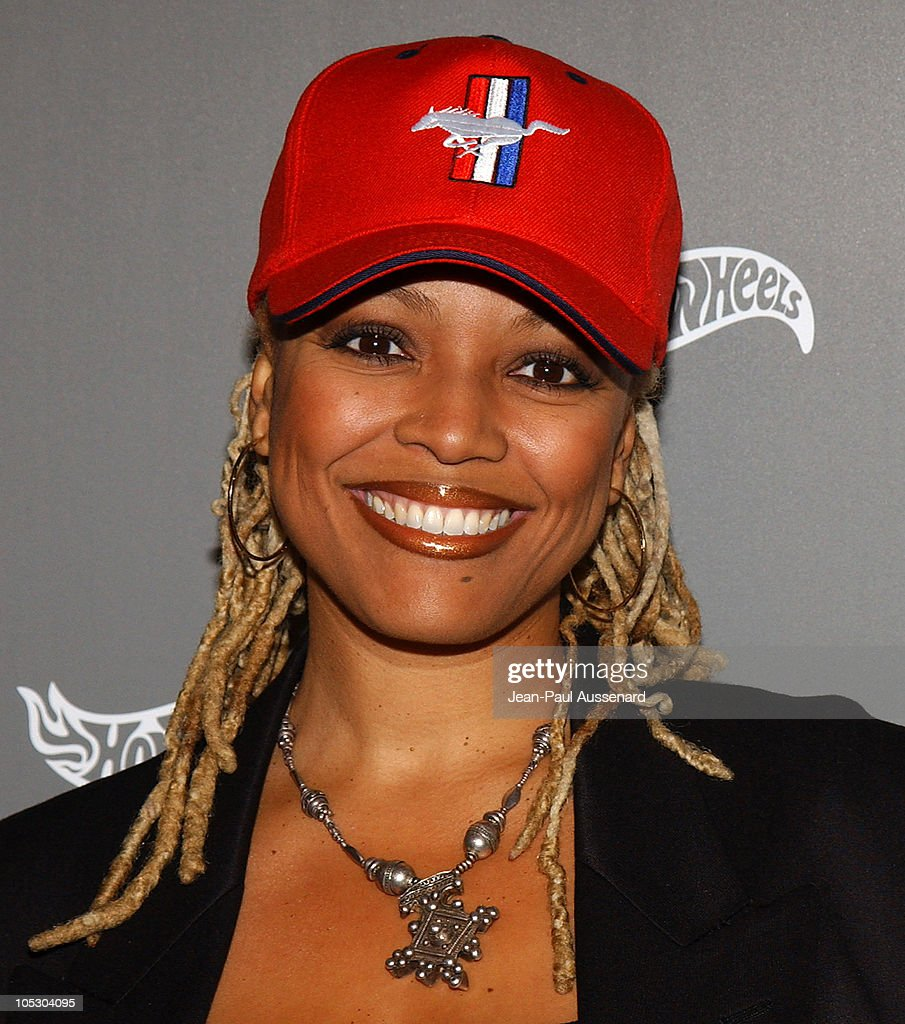<a gi-track='captionPersonalityLinkClicked' href=/galleries/search?phrase=Kim+Fields&family=editorial&specificpeople=892096 ng-click='$event.stopPropagation()'>Kim Fields</a> during Hot Wheels Hall of Fame Induction Gala and Charity Benefit - Orange Carpet at Petersen Automotive Museum in Los Angeles, California, United States.