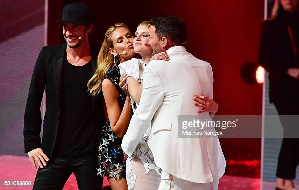 Kim Hnizdo Thomas Hayo Heidi Klum and Michael Michalsky celebrates being Germany's next topmodel during the finals of 'Germany's Next Topmodel' at...