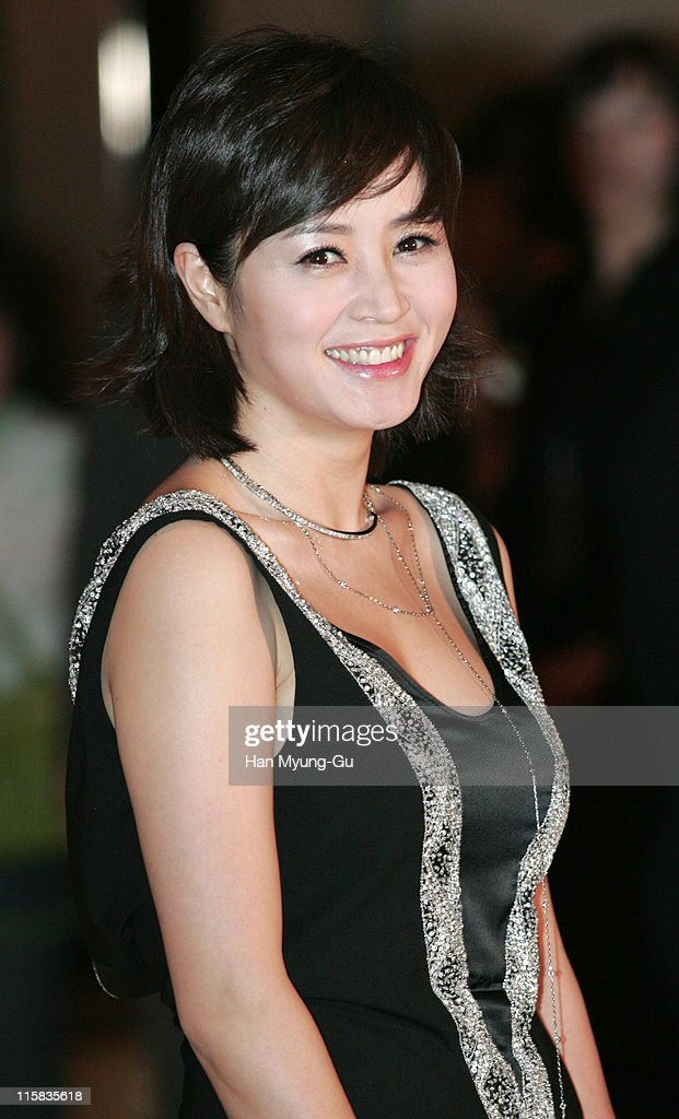 <a gi-track='captionPersonalityLinkClicked' href=/galleries/search?phrase=Kim+Hye-Soo&family=editorial&specificpeople=4335641 ng-click='$event.stopPropagation()'>Kim Hye-Soo</a> during Kim Seung-Woo and Kim Nam-Ju Wedding - May 25, 2005 at W Seoul Walkerhill Vister Hall in Seoul, South, South Korea.
