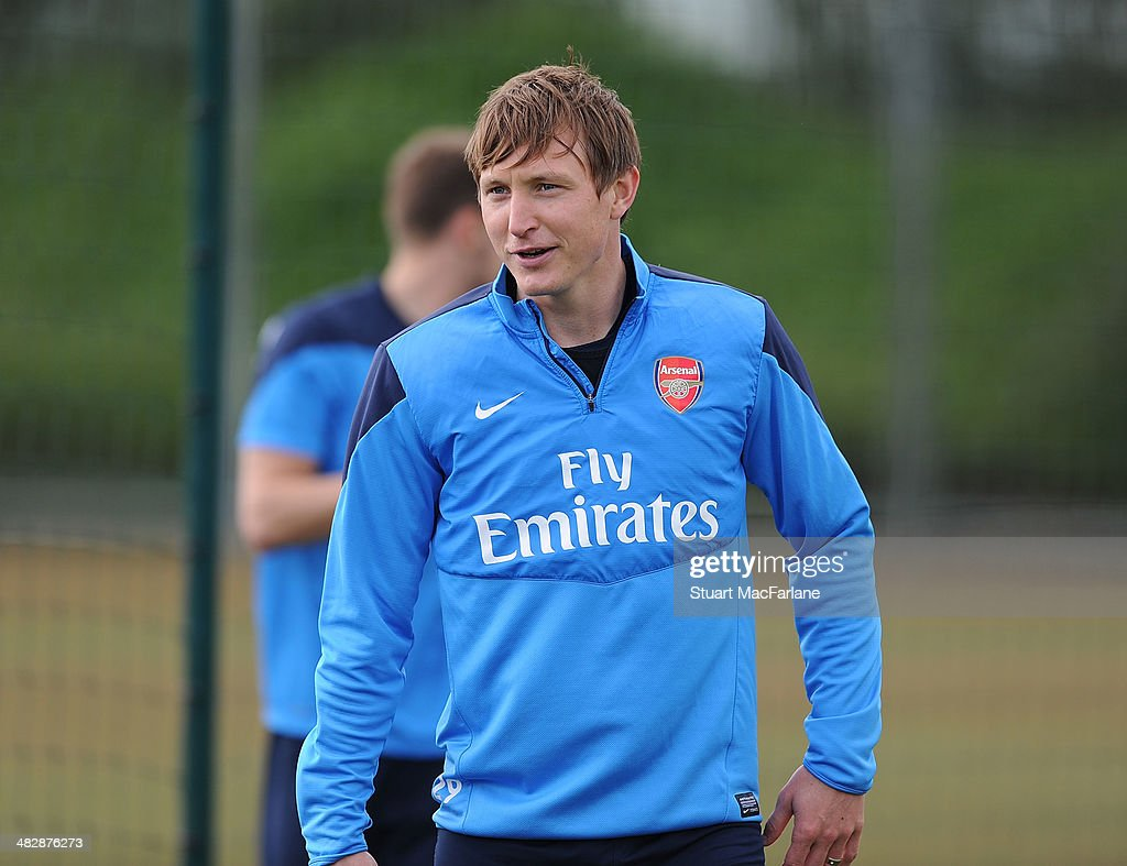 <a gi-track='captionPersonalityLinkClicked' href=/galleries/search?phrase=Kim+Kallstrom&family=editorial&specificpeople=539780 ng-click='$event.stopPropagation()'>Kim Kallstrom</a> of Arsenal during a training session at London Colney on April 5, 2014 in St Albans, England.
