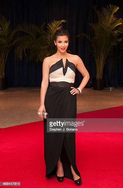 Kim Kardashian arrives at the 2010 White House Correspondents' Association Dinner