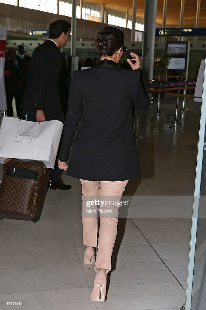 <a gi-track='captionPersonalityLinkClicked' href=/galleries/search?phrase=Kim+Kardashian&family=editorial&specificpeople=753387 ng-click='$event.stopPropagation()'>Kim Kardashian</a> arrives at the 'Charles-de-Gaulle' airport on May 1, 2014 in Paris, France.