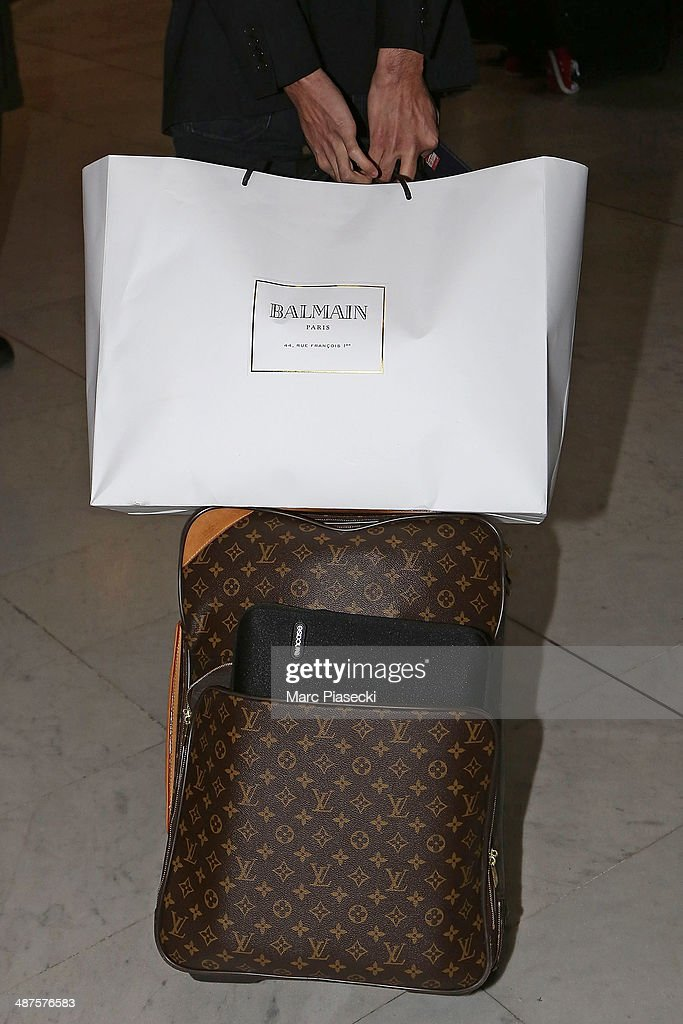 Kim Kardashian (luggage detail) arrives at the 'Charles-de-Gaulle' airport on May 1, 2014 in Paris, France.