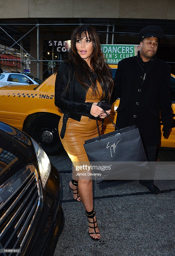<a gi-track='captionPersonalityLinkClicked' href=/galleries/search?phrase=Kim+Kardashian&family=editorial&specificpeople=753387 ng-click='$event.stopPropagation()'>Kim Kardashian</a> seen on the streets of Manhattan on March 26, 2013 in New York City.