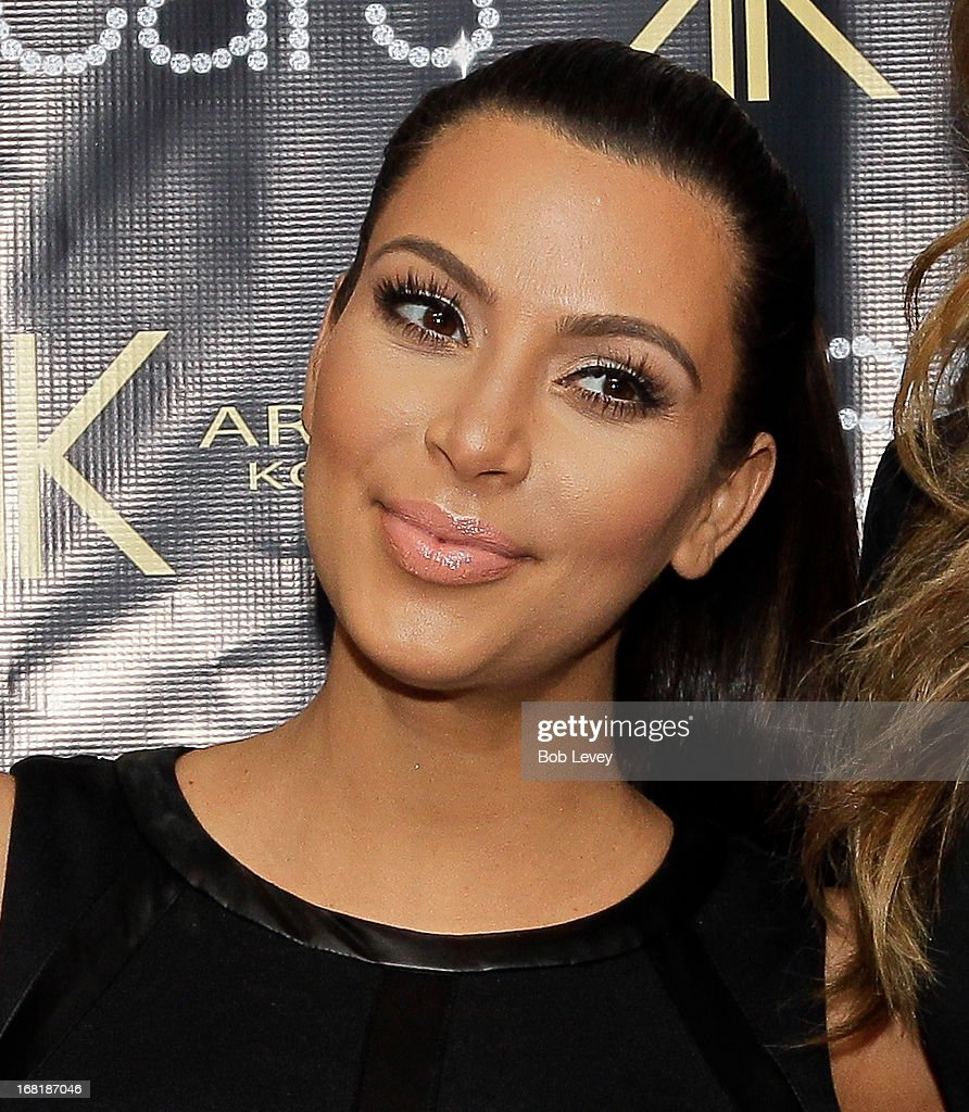 <a gi-track='captionPersonalityLinkClicked' href=/galleries/search?phrase=Kim+Kardashian&family=editorial&specificpeople=753387 ng-click='$event.stopPropagation()'>Kim Kardashian</a> signs autographs for fans during a Sears In-Store Appearance For Kardashian Kollection at Willowbrook Mall on May 4, 2013 in Houston, Texas.